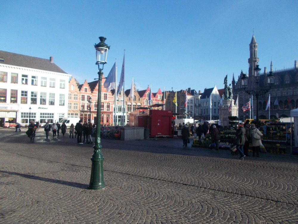 Bruges (Brugge), which has no witches, and Ghent. (4/6)